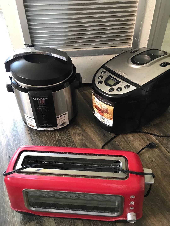 Bread maker & toaster