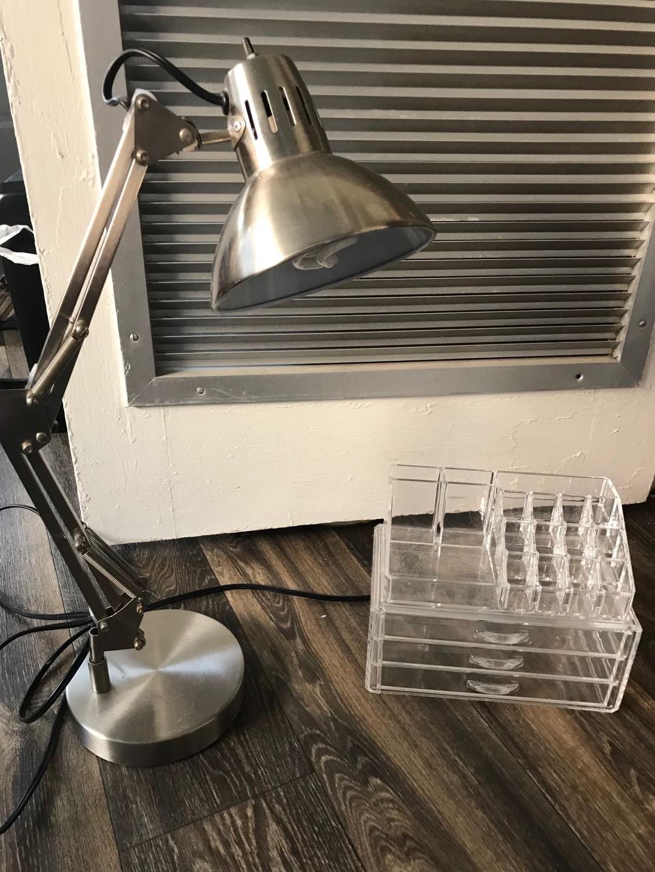 Desk lamp & Comestic sorter